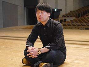 演劇に興味をもったきっかけを語る髙谷 憲さん